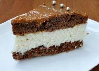 Šokolādes kūka ar kokosriekstu krēmu