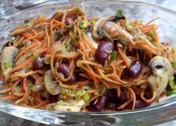 Konservētu pupiņu salāti ar sēnēm