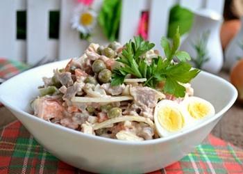 Vārītas liellopu gaļas salāti