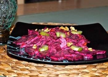 Seleriju un biešu salāti