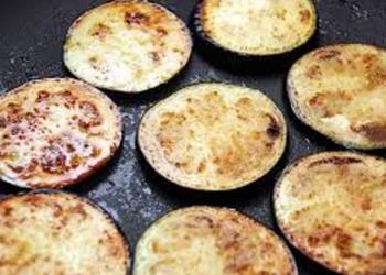 Cepti baklažāni ar omleti