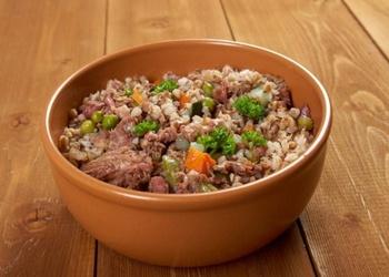 Griķu sautējums ar malto gaļu un dārzeņiem