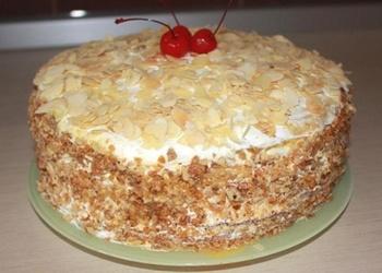 Torte ar mandelēm un riekstiem