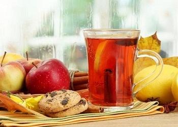 Ābolu tēja ar medu