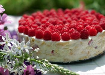 Aveņu – skābā krējuma torte