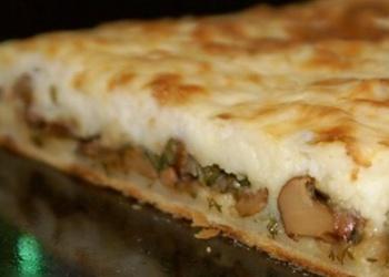 Kārtainais pīrāgs ar sēnēm un kartupeļiem