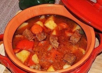 Krāsnī gatavota tomātu zupa