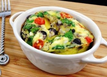 Omlete ar dārzeņiem un olīvām