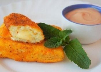 Kartupeļu pirkstiņi ar sieru