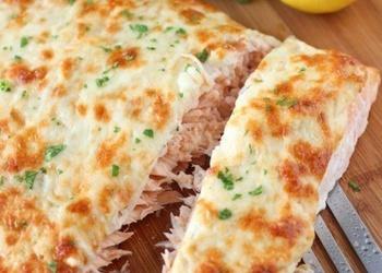 Лосось, запeчeнный с сыром