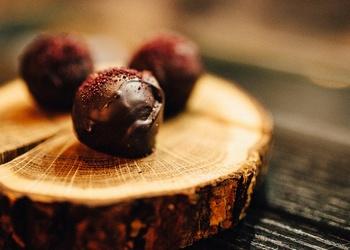 Šokolādes–upeņu konfektes