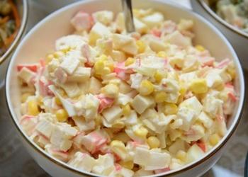 Krabju salāti ar saldo krējumu