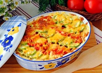 Kabaču sacepums ar sieru un tomātiem