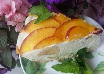 Biezpiena – augļu torte ar skābo krējumu