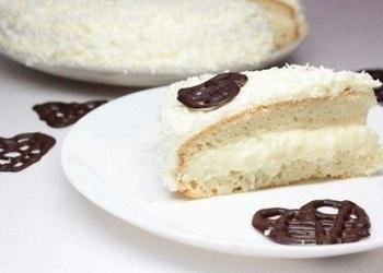 Iebiezinātā piena – kokosriekstu krēma torte