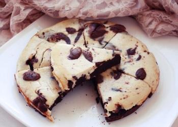 Šokolādes-banānu brauniju siera kūka