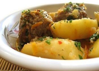 Tefteļi ar kartupeļiem