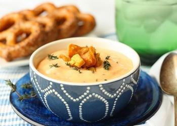 Сырный суп по-французски с чесночными гренками