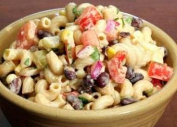 Pupiņu un makaronu salāti