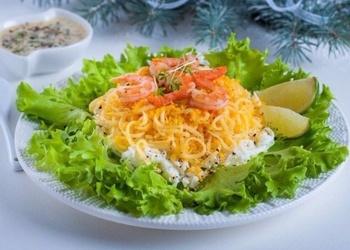 """Salāti """"Garneles uz sniega spilventiņa"""""""