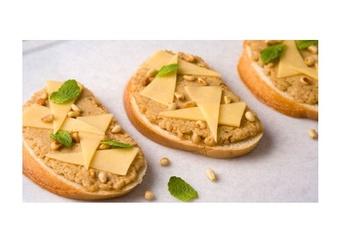 Siera un riekstu sviestmaizes