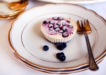 Mazās groziņu siera kūkas